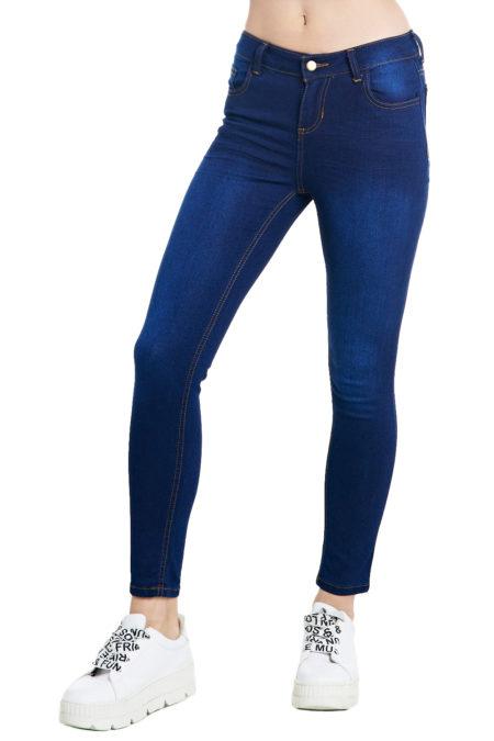Jeans Tiro Alto Con Botones Vertiche